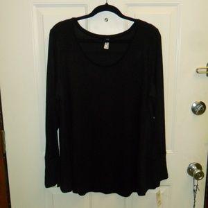 Mudd Long Sleeve pullover top Black